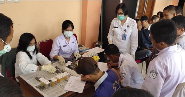 Kami juga bekerja sama dengan BNN untuk mengadakan Tes Urine kepada para Pelajar, jangan sampai para pelajar yang menjadi generasi masa depan terpapar oleh narkoba